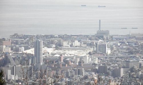 山頂から神戸市街を望む